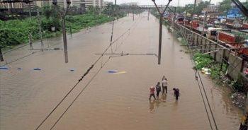 Muson yağmurlarında hayatını kaybedenlerin sayısı yükseldi