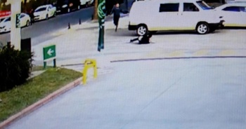 Polisten kaçarken ayakları dolandı