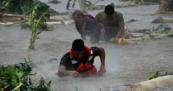 Tropikal fırtına 'Narda' Meksika'yı vurdu: 2 ölü