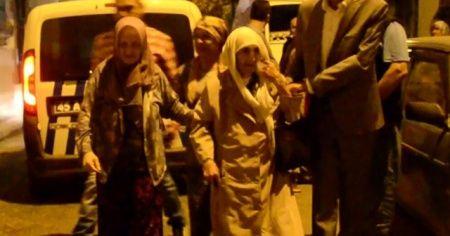 94 yaşındaki yaşlı kadın çocukları tarafından sokağa atıldı iddiası
