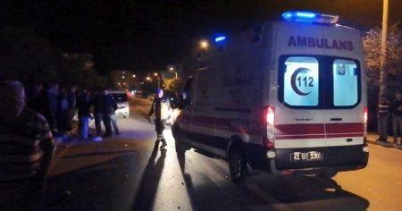 Bebekli aileye çarpıp kaçtı: Baba ve 7 aylık bebek ağır yaralandı