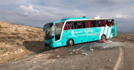 Çankırı'da cenazeye gidenleri taşıyan otobüs devrildi: 34 yaralı
