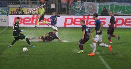 Trabzonspor son dakikada güldü