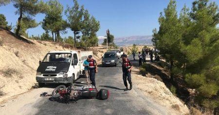 Kamyonet motosiklete çarptı: 1 yaralı