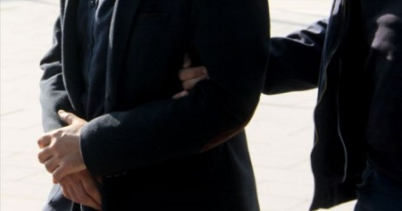 Kırmızı bültenle aranan FETÖ'cü eski savcı yakalandı