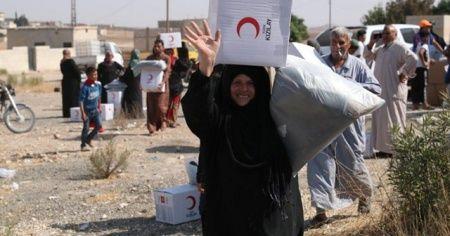 MSB: 'Türk Kızılayı, Tel Abyadlı kardeşlerimize yardım malzemelerini dağıtmaya başladı'