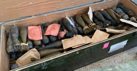 Teröristler ilçeyi silah deposuna çevirmiş