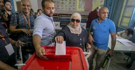 Tunus'taki cumhurbaşkanlığı seçiminde oy verme işlemi tamamlandı