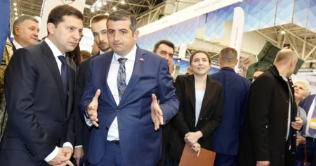 Ukrayna Cumhurbaşkanı Zelenskiy, Türk IHA'sını inceledi