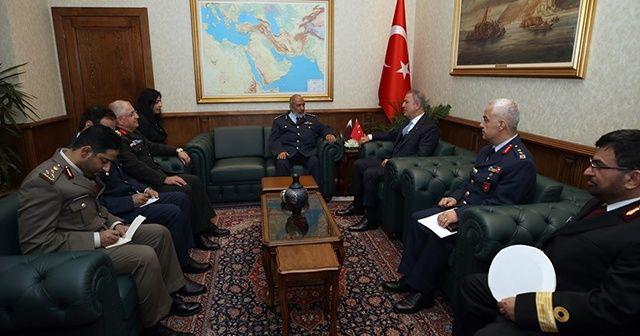 Bakan Akar, Katar Genelkurmay Başkanı Al-Ghanim ile bir araya geldi