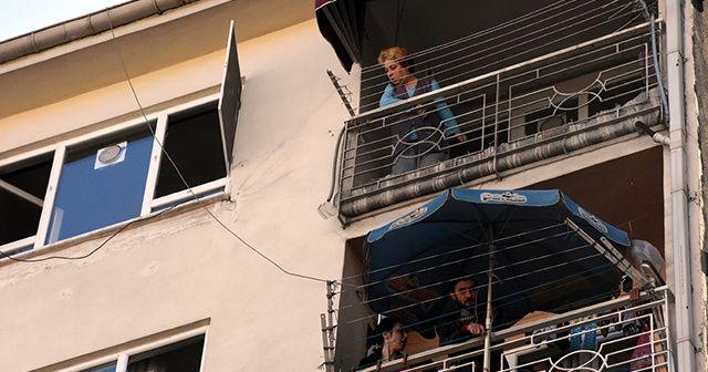 Bursa'da yangın çıkan apartmandaki 8 kişi dumandan etkilendi
