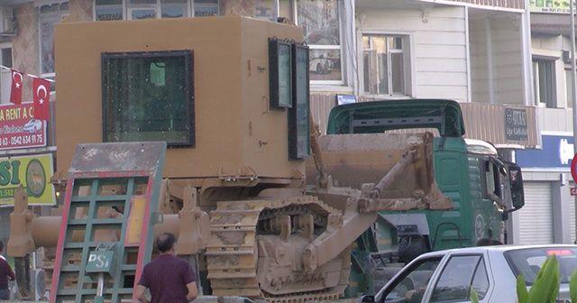 Ceylanpınar'a zırhlı askeri iş makinesi sevkiyatı