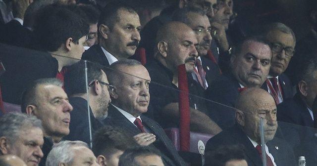 Cumhurbaşkanı Erdoğan milli takımı yalnız bırakmadı