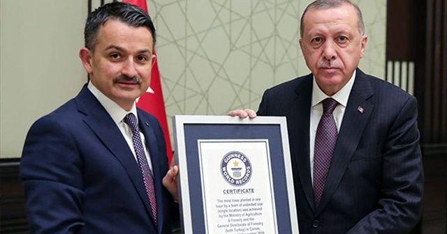 Dünya rekoru belgesi Cumhurbaşkanı Erdoğan'a verildi