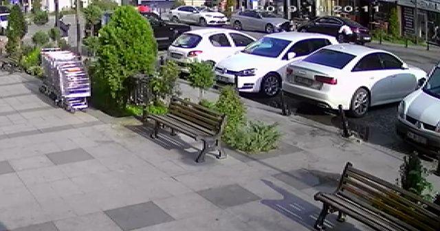 Esenyurt'ta iki grup arasında çıkan silahlı çatışma kamerada