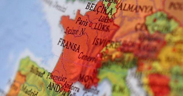 Fransa'da köprü çöktü: Ölü ve yaralılar var