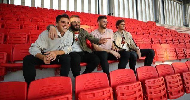 Göztepe'nin yeni stadında koltukların montajına başlandı