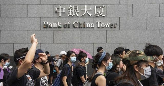 Hong Kong'da şiddet yerini barışçıl protestolara bıraktı