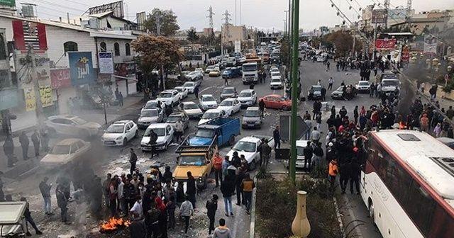 İran'daki gösterilerde 1000 kişi gözaltına alındı