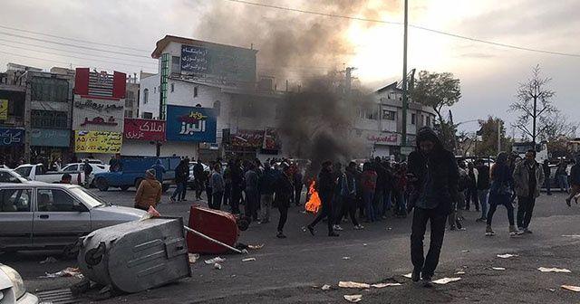 İranlı muhalif lider göstericilere müdahaleyi katliama benzetti