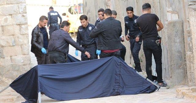 Mardin'de bir kişi sokakta bıçakla öldürülmüş halde bulundu