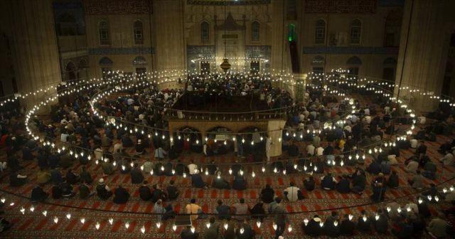 Mevlid Kandili dualarla idrak edildi
