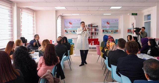 Milli Eğitim Bakanı Selçuk, öğretmenlere ders verdi