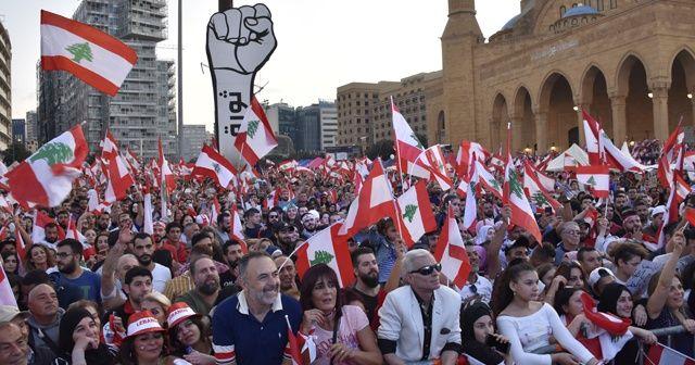 Protestoculardan gösterilere devam çağrısı