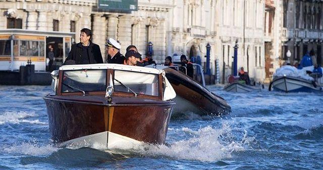 Suların yükseldiği Venedik'te zararın boyutu dudak uçuklattı