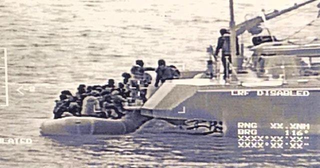 TCG Tuzla karakol gemisi 51 düzensiz göçmenin kurtarılmasını sağladı