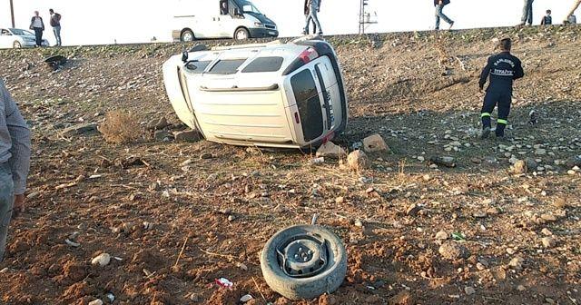Tekeri kopan araç otomobille çarpıştı
