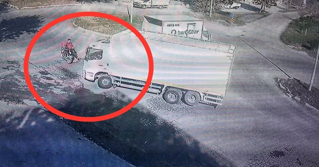 Feci kaza kamerada! Ters yolda giden kamyon kuryeyi ezdi