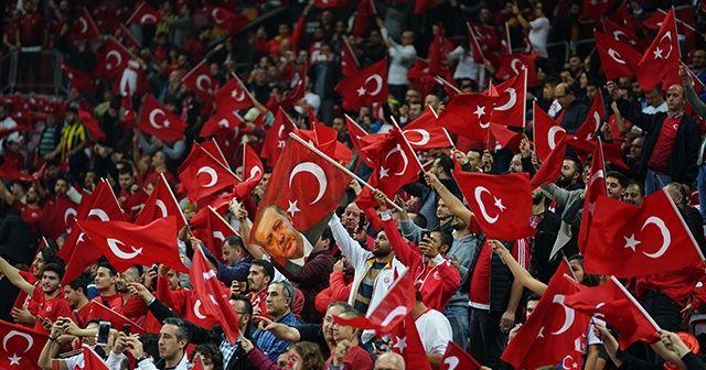 Türkiye-İzlanda maçını 48 bin kişi izledi