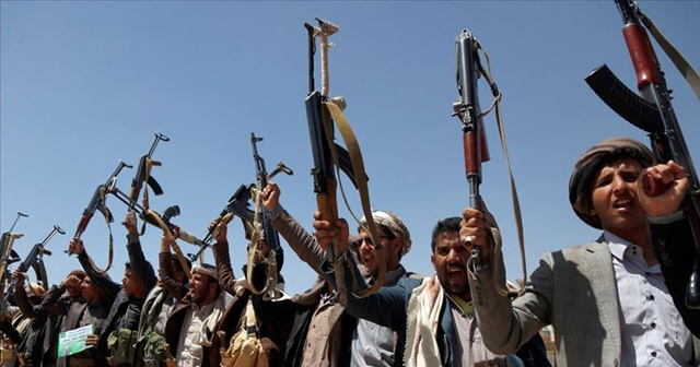 Yemen'deki Husiler Kızıldeniz'de Güney Kore'ye ait gemiyi alıkoydu