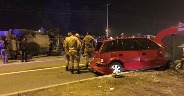 Zırhlı polis aracı otomobille çarpıştı: 5 yaralı