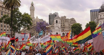 Arjantin'de binlerce kişi Morales için sokaklara indi