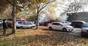 Bursa'da mangal kömürü iki arabayı kül etti