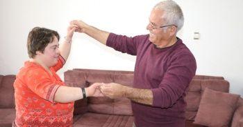 Down sendromlu Özge'ye babasından danslı moral
