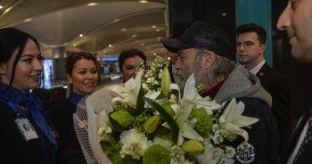 Haluk Bilginer İstanbul'a geldi