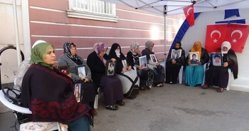 HDP önündeki ailelerin evlat nöbeti 74'üncü günde
