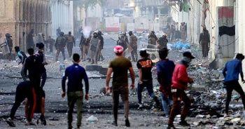 Irak'ın Necef kentinde göstericiler İran Başkonsolosluğunu ateşe verdi