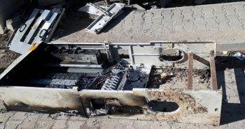 Kaçak elektriği önleyen panoları kırıp yaktılar