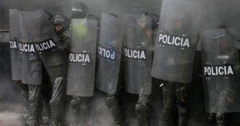 Kolombiya genel grev nedeniyle sınırlarını geçici kapattı