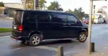 Özel halk otobüsüne binip 'Öndeki aracı takip et' dedi! Genç kızı kaçıran minibüsü yakaladılar