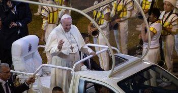 Papa'ya yakın piskoposa taciz suçlamasıyla uluslararası yakalama talebi