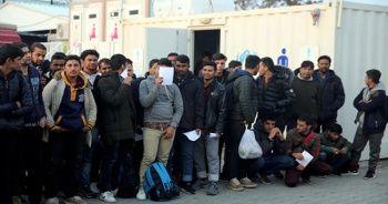 Yunanistan'dan Türkiye'ye zorla gönderilen düzensiz göçmen: Yunan askerleri tüfekle dövdü
