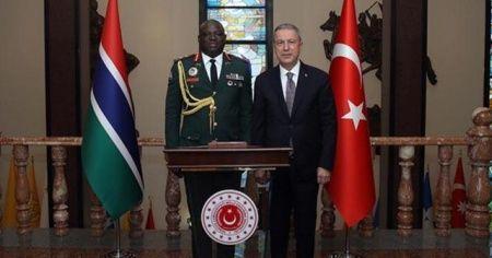 Bakan Akar, Gambiya Genelkurmay Başkanı'nı kabul etti