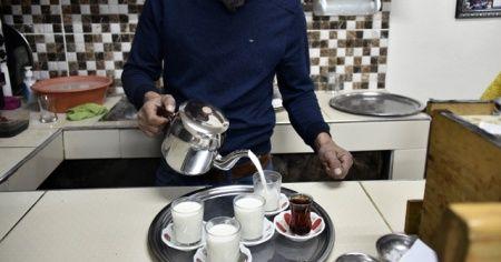 Bu ilçede kışın kahvelerde çaydan çok süt satılıyor