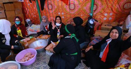 Irak'ta gösterilerin merkezi Tahrir Meydanı'nın gönüllü kadınları