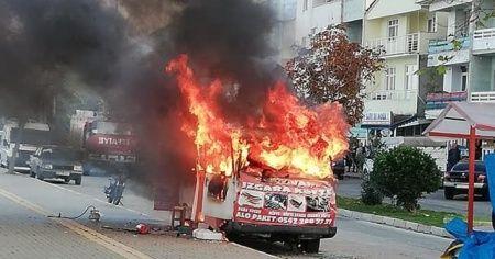 Köfte karavanı alev alev yandı
